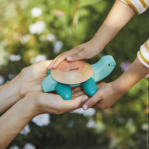 Tortue à promener en bois FSC partenariat WWF, marche, motricité, jouet d'éveil, pour enfant dès 12 mois JANOD