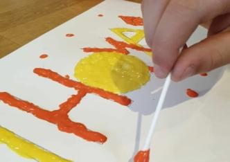 Activité amusante pour tous : La peinture gonflante !