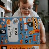 🚗 Vroum ! Tut-tut ! 🚛  Votre enfant pourra créer et recréer les engins de son choix avec notre Magnéti'Book Bolides !   Pratique avec son format livre, il pourra également l'emmener partout ! (Parfait pour un long trajet en voiture par exemple 😉)  📷@sandra__kathya   #janod #jeux #jouets #jouetenbois #imiter #partager #echanger #jouer #grandir #magnetibook #livresmagnetiques